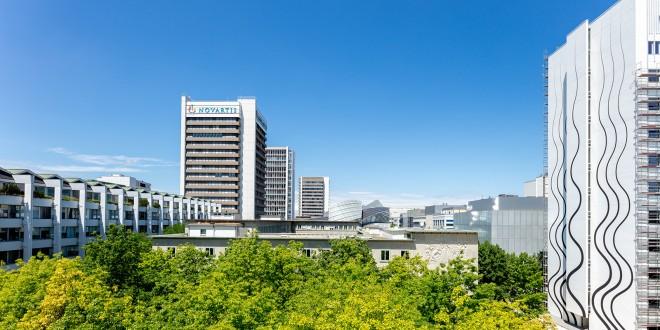 Blick auf den Campus von Novartis Basel mit dem neuen Gebäude Banting 1